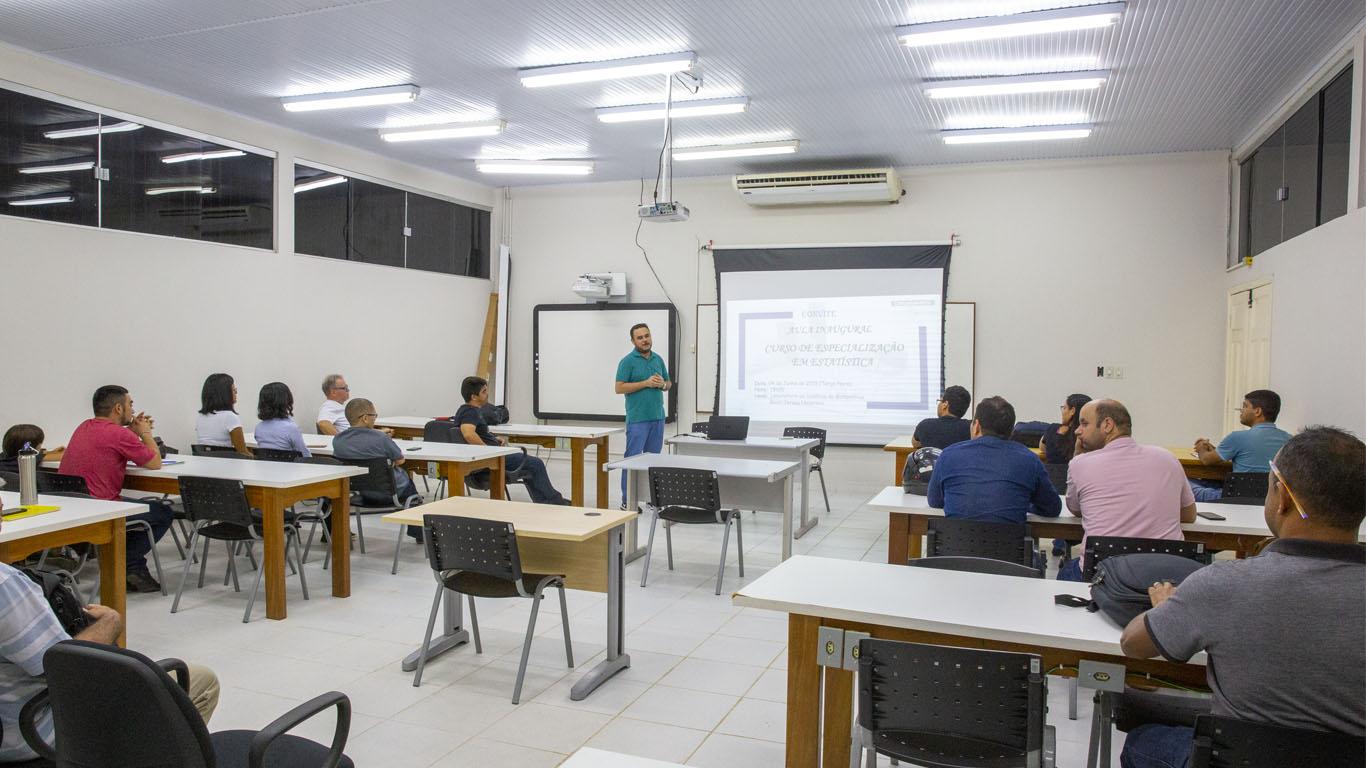 Especialização em Estatística tem aula inaugural